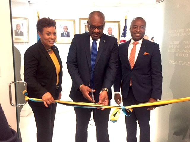 PM_Cuts_ribbon_at_opening_of_CG_Office_Miami_-_.JPG