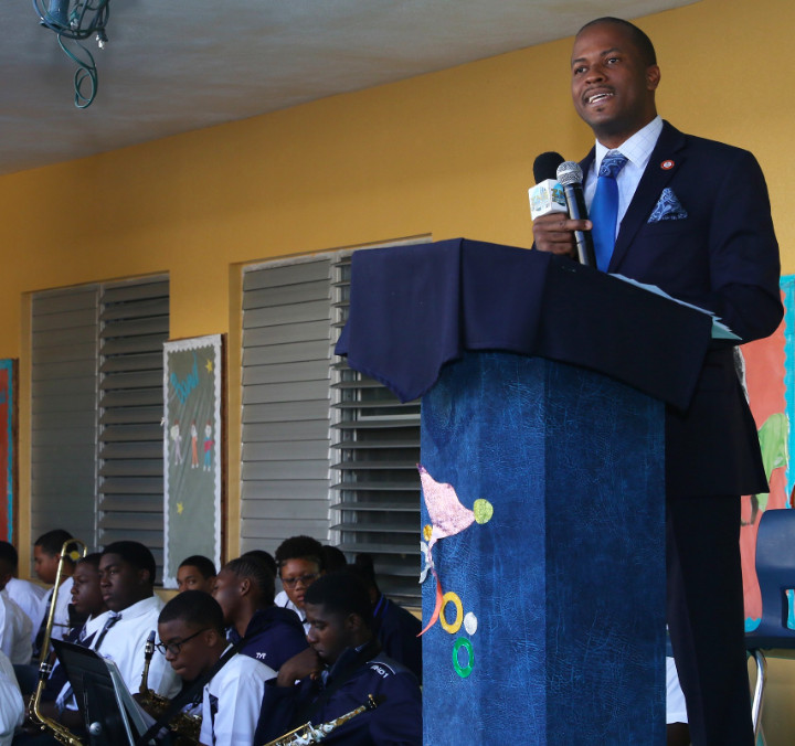 Senator_Jamal_Moss_Addresses_C_V_Bethel_Students_on__Majority_Rule__1.jpg