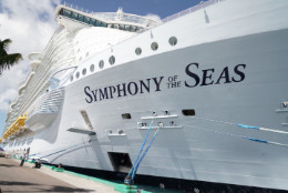 Symphony_of_the_Seas_alongside_Prince_George_Wharf_Nassau_2.jpg