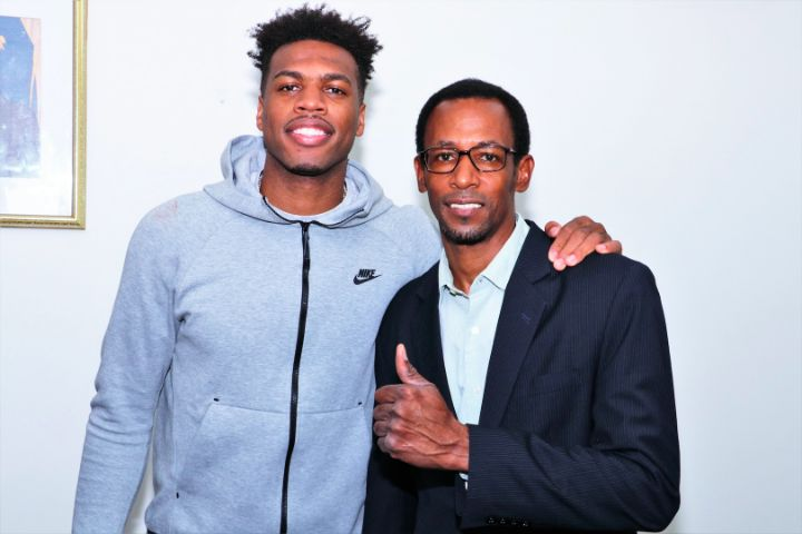 Buddy_Hield_and_Director_of_Sports_Tim_Munnings.jpg