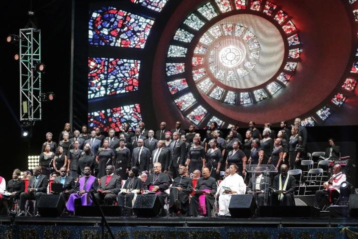 Clergy_and_Choir.jpg