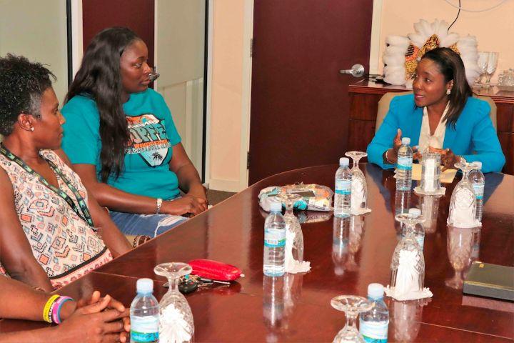 Discussing_Bahamas_Hoopfest.jpg