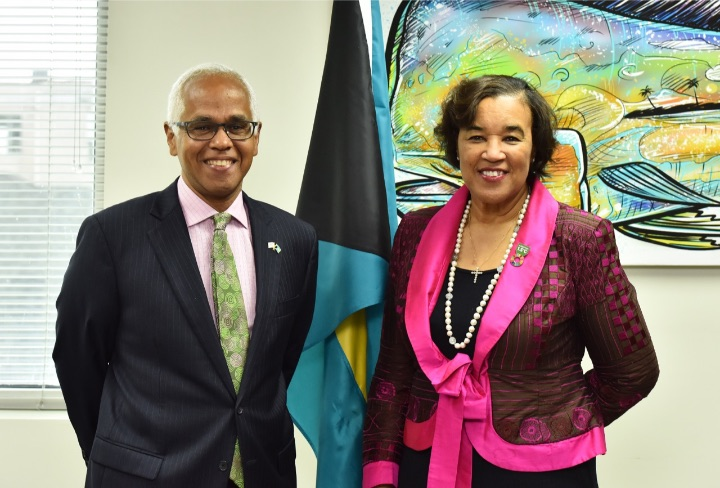 Minister_of_Tourism__and_the_Commonwealth_Secretary_General.jpg