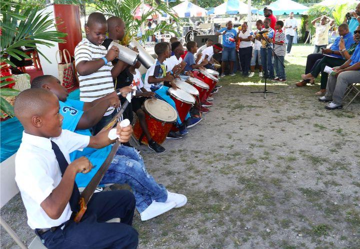 Musicians_of_Eva_Hilton_Primary_School.jpg