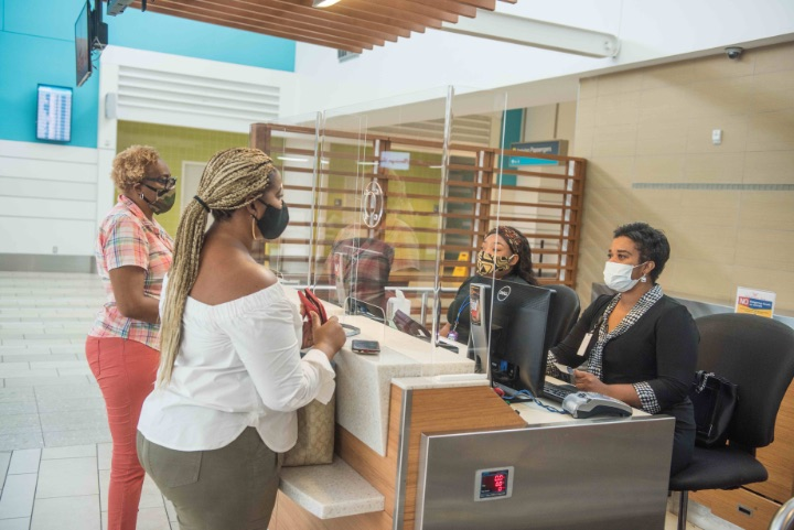 Photo_1-_LPIA_Passengers_now_required_to_wear_face_coverings._Plexiglass_barriers_in_place_at_check-in_counters.jpg