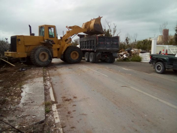 Photo_2-_Joint_Venture_teaming_up_to_maximize_clean_up_efforts_in_Abaco._Approximately_200_truckloads_of_debris_processed_daily_at_Spring_City_Site.jpg