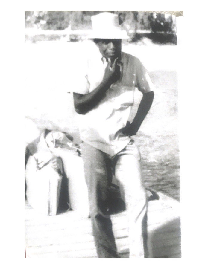 Photo_3-_Paul_King_as_a_youngster_leaving_Cat_Island_.jpg