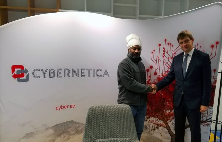 Reneldo_Russell__Cloud_Carib_s_Client_Delivery_Executive_for_Public_Sector_meets_with_Arne_Ansper__XRoad_brainchild_and_Head_of_Development_of_Cybernetica_in_Estonia.jpg