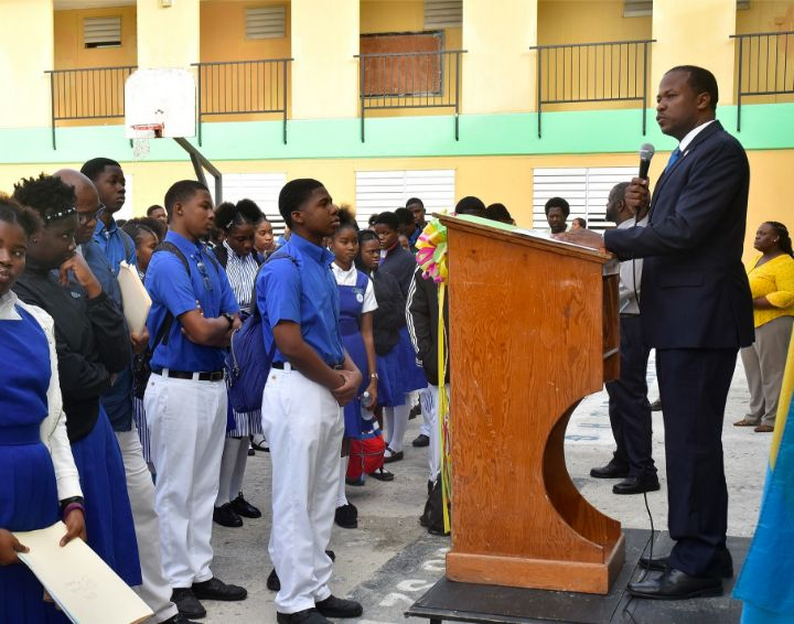 Senator_Jamal_Moss_Gives_Address_on_Majority_Rule_at_Government_High_School_Jan._13_2020.jpg