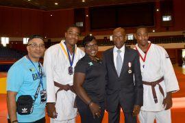 Strachan_Family_with_Barbados_Judo_President_Hoskins_1.jpg
