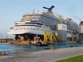 The_BOKA_Vanguard_acting_as_Floating_Dry_Dock_1.jpg