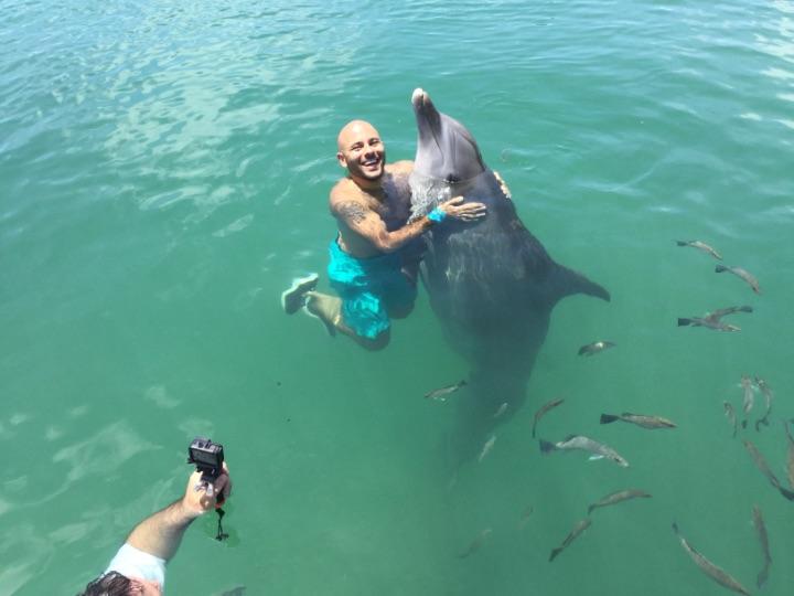 photo_fbo-nick_with_dolphin.jpg