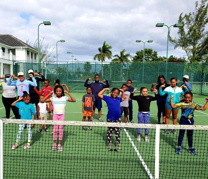 BLTA_Play_Tennis_Strong.jpg