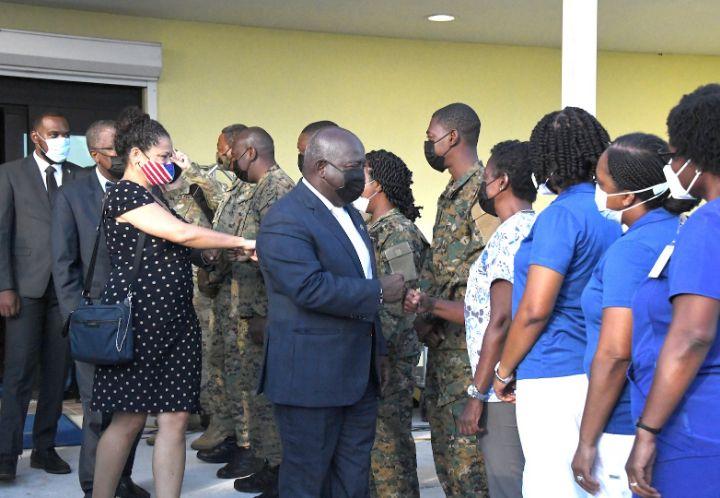 Bahamas___US_officials_greet_VAX_site_personnel.jpg