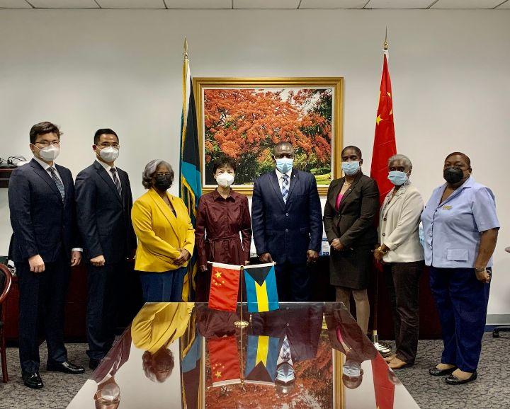 China_Donates_Medical_Supplies_to_The_Bahamas_-_July_28__2021_1.jpg