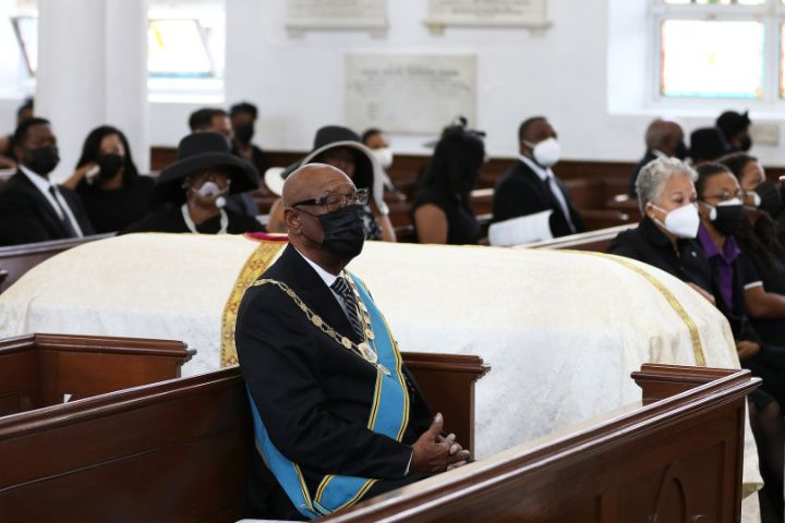 Governor_General_HE_the_Most_Hon._Cornelius_A._Smith_-_Christ_Church_Cathedral.jpg