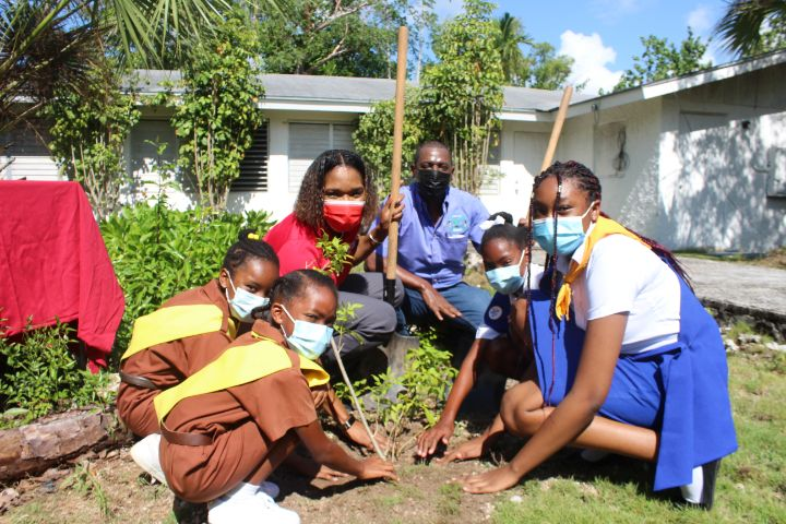 Photo_1_100_Trees_Planted_For_CIBC_FirstCaribbean_s_100th_Year_Banking_Anniversary.jpg