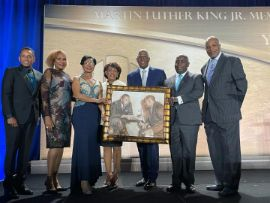 Presentation_of_Gift_from_People_of_The_Bahamas_1__1_.jpg