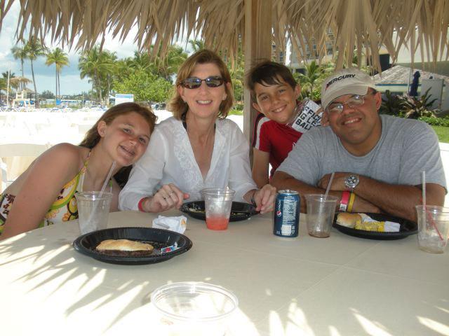 There are 1089 profiles for the de Sousa family on Geni.com. Explore de .