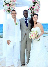 Glenn_with_Bahamas_wedding_couple_SM.jpg