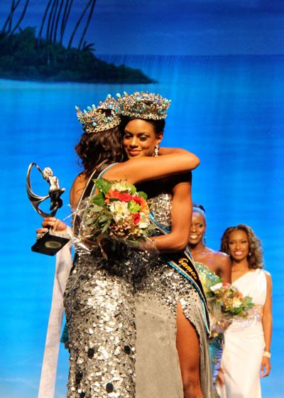 7-MBO-2011-Braneka-Basset-congratulates-Sasha-Joyce-1.jpg