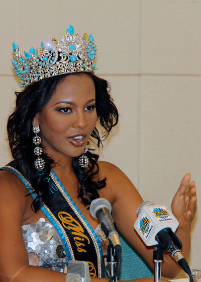9-MBO-2011-Braneka-Bassett-MB-2010-speaks-to-the-Press-photo-by-Azaleta.jpg