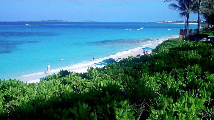 Atlantis_Paradise_Island_Beach-2.jpg