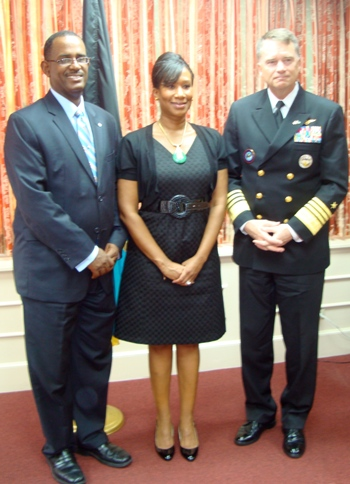 Photo_2_--_Minister_Turnquest_Ambassador_Avant_and_Admiral_Winnefeld.jpg