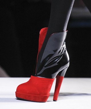 Viktor___Rolf_Satin___Suede_Bootie_-_fashionizers.com.jpg