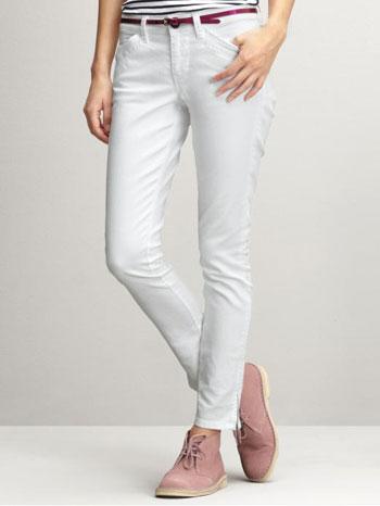 White-Trousers---runwaydaily.com.jpg
